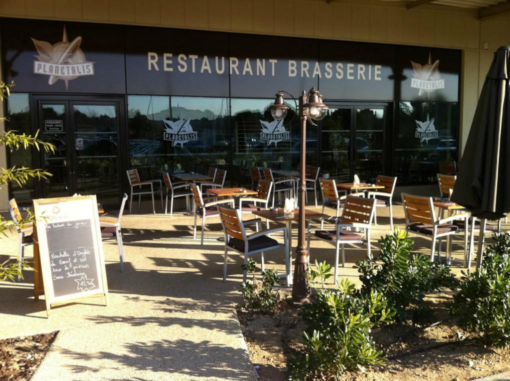 R alisations restaurant planetalis par paraf soci t d for Amenagement restaurant interieur